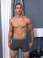 Muscled latin stud Jaxson