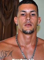 Hot latin stud Roberto