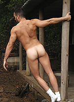 Hot muscle hunk Marco Conte naked